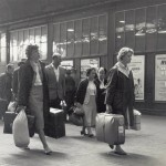 Au Pairs arriving at Victoria Station